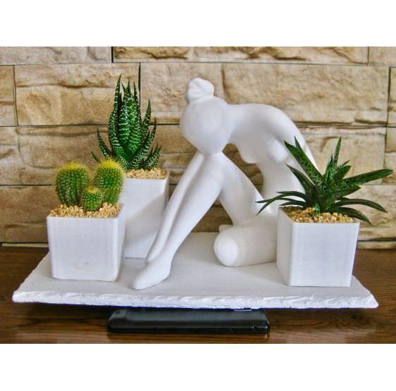 Dama scultura 3 piante
